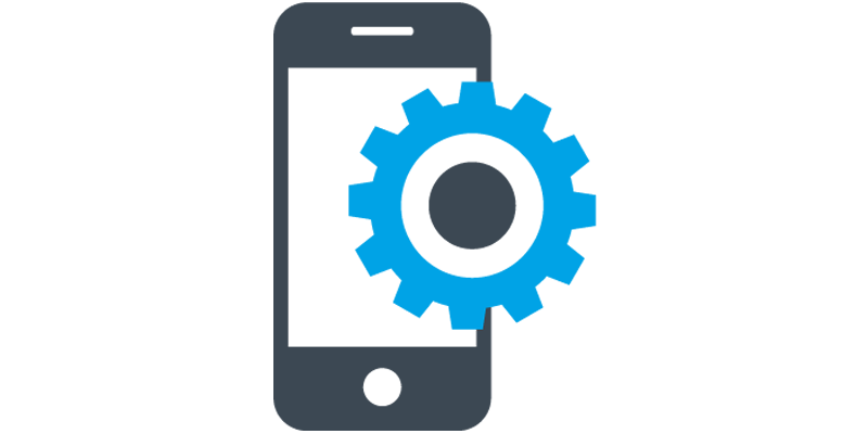 En mobil med ett blått kugghjul framför, funktionella och verksamhetsanpassade lösningar till appar.